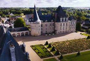 http://www.chateau-azay-le-ferron.com/