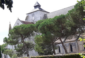 http://fontgombault.free.fr/site/abbaye.html
