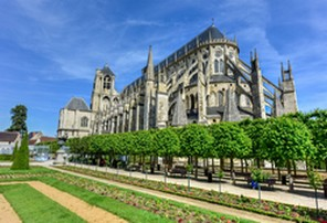 http://www.bourges-cathedrale.fr