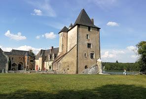 https://chateau-angillon.fr