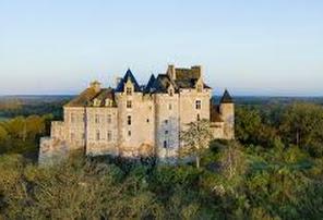 https://www.chateau-bouchet.com